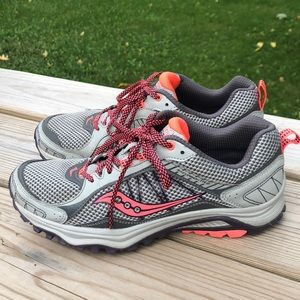 Womens's Saucony Excursion TR9 Running Shoes